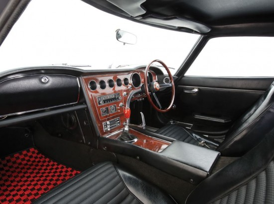 Toyota2000GTInteriorRMAuction